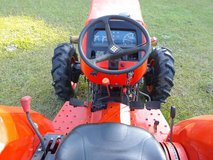 06 l4400 4x4 kubota, 46hp,37.5 hp on independent pto.325 hrs,standard shift,power steering. 337-... in Fort Polk, Louisiana