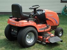 SIMPLICITY  GARDEN TRACTOR ( BROADMOORE) in Orland Park, Illinois