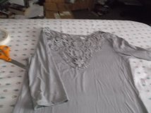lady's ash gray pullover top size large in Alamogordo, New Mexico