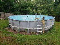 52' x 22' Swimming Pool in Fort Knox, Kentucky