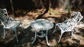Vintage cast aluminum outdoor table and chairs in Byron, Georgia