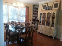 Glass dining table and  four chairs in Byron, Georgia
