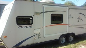 2006travel trailer in Baytown, Texas