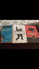 Books: Brave New World, Hamlet and Fahrenheit 451 in Chicago, Illinois