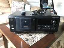 CD player - holds 50 +1 CD's in Camp Lejeune, North Carolina