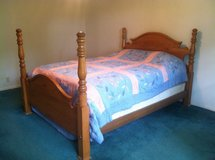 oak queen bed in Beaufort, South Carolina