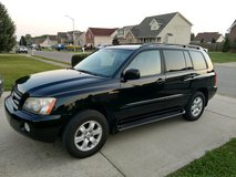 **REDUCED** Toyota Highlander Limited V6 4WD w/ Tow Package. in Clarksville, Tennessee