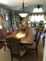 entire dining room for sale in Glendale Heights, Illinois