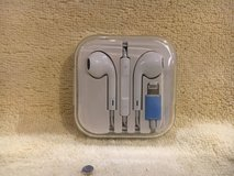 Head/Ear phones for IPhone USB (not made by Apple) in Ramstein, Germany