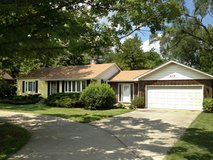 Home For Rent in Darien in St. Charles, Illinois