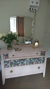 Vintage Painted Dressing Table in Lakenheath, UK