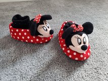 Minnie Mouse Slippers Shoes 9-10 in Fort Campbell, Kentucky