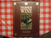 The Book Of Wine - 400 pages overzied boxed hardcover in very good condition in Houston, Texas