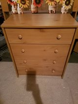 4- Drawer Dresser in Elgin, Illinois