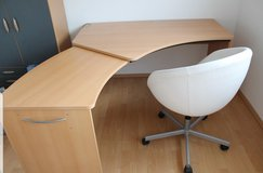 Office desk with extendable desk top in Ramstein, Germany