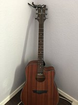 Dean electric acoustic guitar in Fort Bliss, Texas