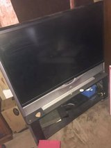 tv and stand in Alamogordo, New Mexico