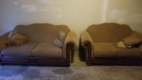 2 couches in Fort Polk, Louisiana