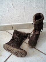 Brown Suede Agaxy boots size 35 EU 3.5 US in Stuttgart, GE