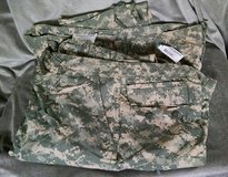 2 Pair Army Trousers Size X-Large Regular in Lawton, Oklahoma