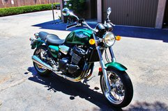 Like New 2000 triumph legend 900 TT motorcycle with only 4,210 original miles RARE in Camp Pendleton, California