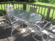 Outdoor Table and Chairs in Aurora, Illinois