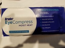 Bruder Eye Hydrating Compress in Bartlett, Illinois