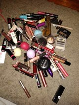 Make up in St. Charles, Illinois