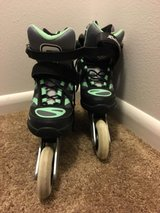 Rollerblade Macroblade 90 Women Bundle Size 7 - 90mm wheels in Melbourne, Florida