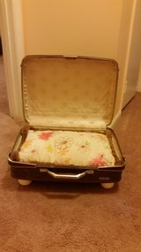 Vintage Suitcase pet bed in Quantico, Virginia