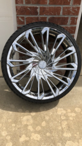 "22"" STARR RIMS & TIRES 5 LUGS UNIVERSAL in Fort Polk, Louisiana"