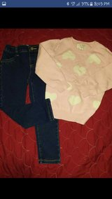 Place Girls outfit sets in Clarksville, Tennessee