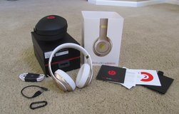 Beats Studio2 wireless over-the-ear headphones, gold in Glendale Heights, Illinois