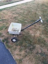 Fertilizer spreader in Oswego, Illinois