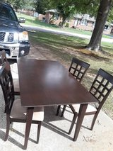 Used kitchen table set with 4 chairs in Hopkinsville, Kentucky