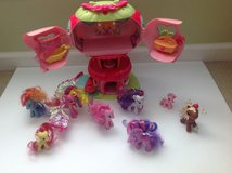 My Little Pony Ponyville Pinkie Pie's Balloon House and 7 Ponies in Glendale Heights, Illinois
