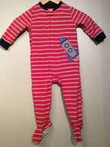 Carter's baby zip up footed pajamas size 18 month in Bolingbrook, Illinois