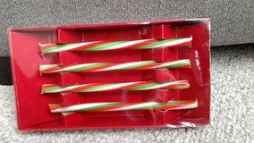 Glass holiday drink stirrers in Orland Park, Illinois