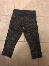lululemon leggings SIZE 4 in Sugar Land, Texas