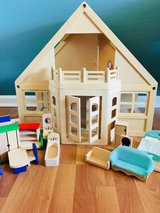 Melissa & Doug Dollhouse plus furniture in Fairfield, California