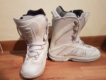 Woman's size 8.5 Snowboard Boots in Ramstein, Germany