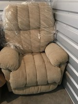 Swivel/rocking/recliner in Vacaville, California