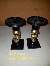 2 skull candle holder in Fairfield, California