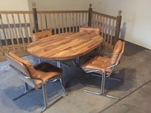 Dinette set with 4 chairs in Glendale Heights, Illinois