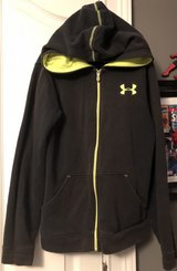 Youth  Underarmour Hoodie size YM in Fort Benning, Georgia