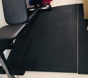 Weight bench & Heavy duty Gym mat in Fort Eustis, Virginia