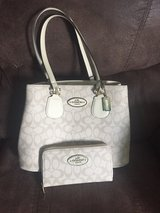 matching (knock off) coach purse n wallet in Hinesville, Georgia