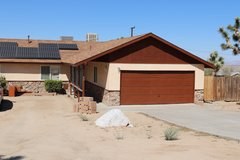 Upgraded 3 Bed 2 Bath Home in Joshua Tree 5 Min from Joshua Tree National Park in Yucca Valley, California