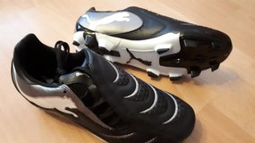 Puma soccer shoes new in Ramstein, Germany