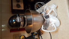 Kitchen aid mixer like new in Beaufort, South Carolina
